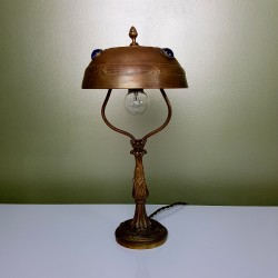 "Lampe de table ""La Parisienne"" en bronze"