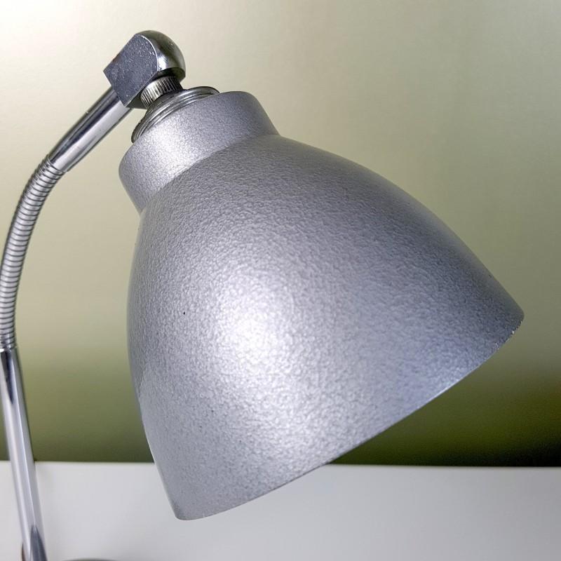 petite lampe de bureau grise peinture martel e style 50s. Black Bedroom Furniture Sets. Home Design Ideas