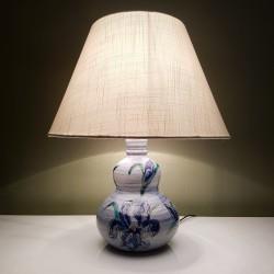 Lampe en céramique a décor floral composé d'orchidées La roue Vallauris