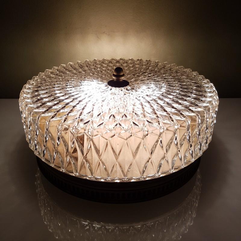 plafonnier globe en verre et cerclage laiton ajour. Black Bedroom Furniture Sets. Home Design Ideas
