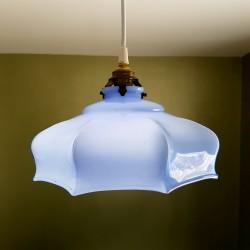 Suspension ancienne en opaline bleu epoque Art Déco