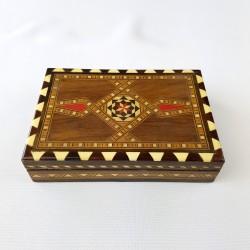 Petite boite en bois décor marqueterie