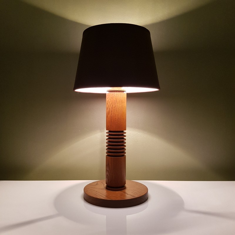 lampe de chevet en chene de style art d co. Black Bedroom Furniture Sets. Home Design Ideas