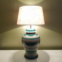 Imposant pied de lampe en céramique rayé vert Gérard Danton Roche Bobois