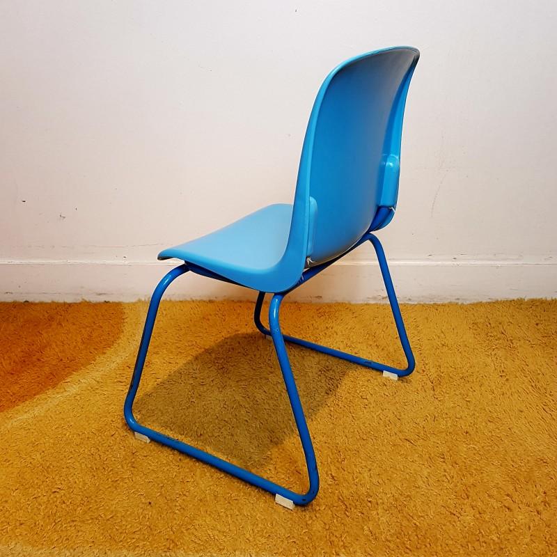 chaise enfant vintage empilable assise plastique bleu le havre vintage. Black Bedroom Furniture Sets. Home Design Ideas