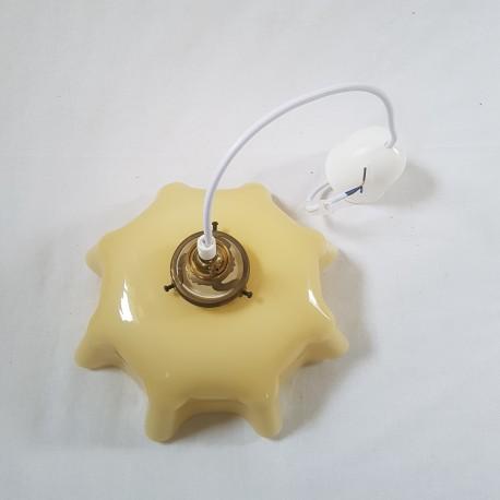 Suspension lustre abat jour opaline jaune orangé montage ancien a griffe