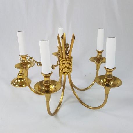 Lustre 5 feux de style classique en laiton doré Maison Lucien Gau Paris