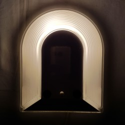 Applique italienne en verre épais et métal laqué 1980 Art Tesi Prisma