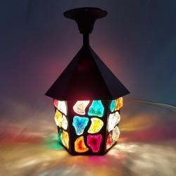 Lanterne d'entrée en tole peinte et verre multicolore