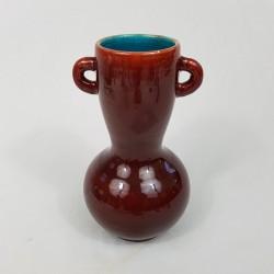Vase a anse en céramique Accolay glaçure sang de boeuf et interieur bleu