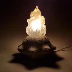 Lampe veilleuse flamme en pierre