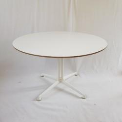 Table basse modèle La Fonda par Charles et Ray Eames