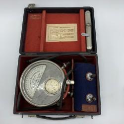 Oscillometre Sphymometrique appareil medecin ancien cabinet de curiosité