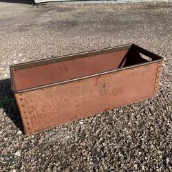 Caisse industrielle en carton bouilli et rivet Suroy France