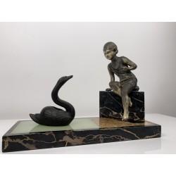 Sculpture Sujet en régule Uriano Ugo Cipriani Enfant et le cygne