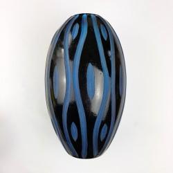 Vase en verre bleu soufflé meulé modern Design Kare