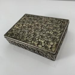 Boite a cigarette ancien en métal argenté Décor Floral